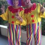 Dětský animátoři jako klauni