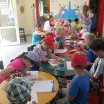 Animátoři a děti v miniklubu