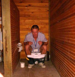 Animátor Maťo na dětských záchodech